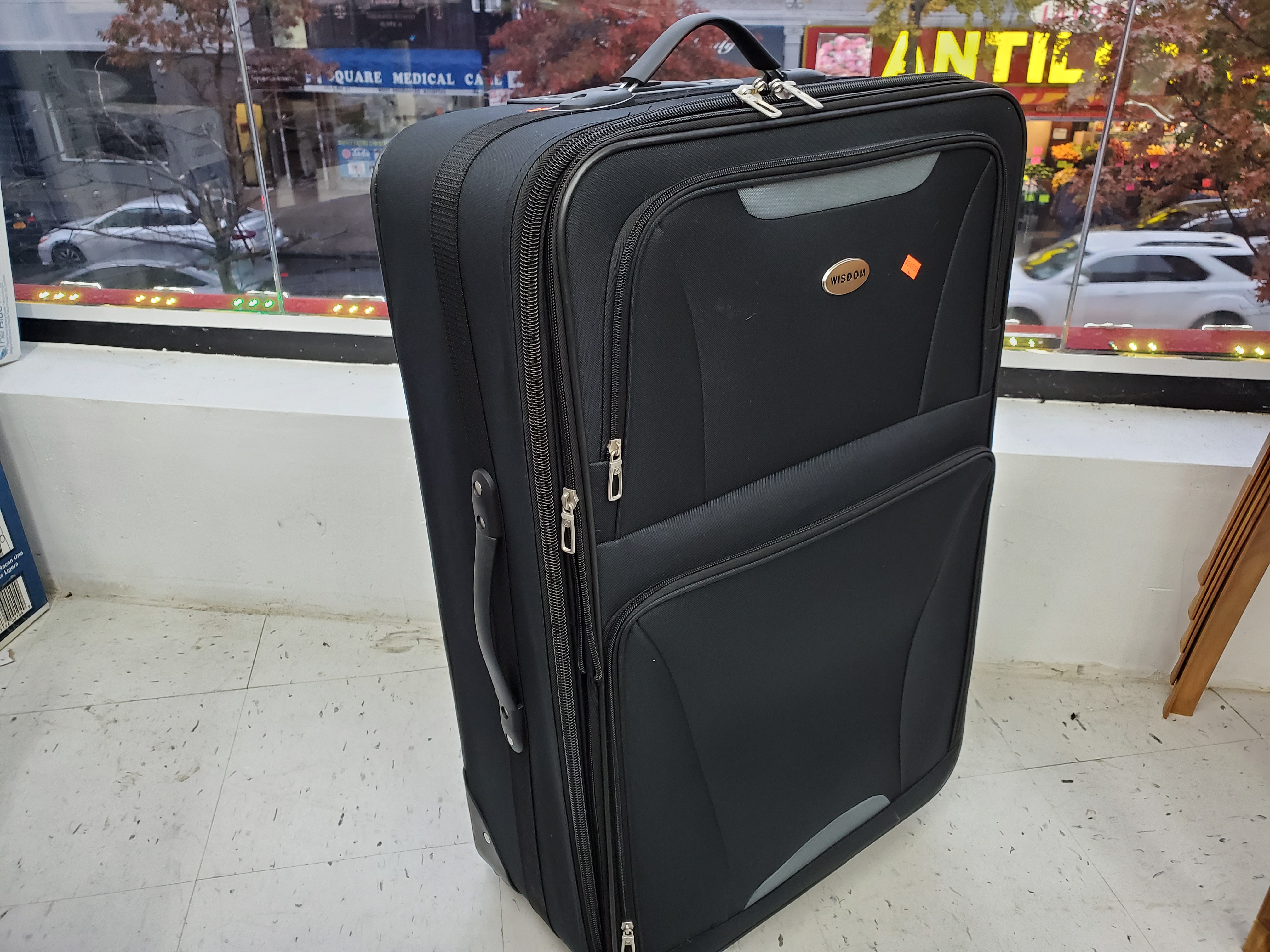 "Wisdom Luggage Size 28"" Black"