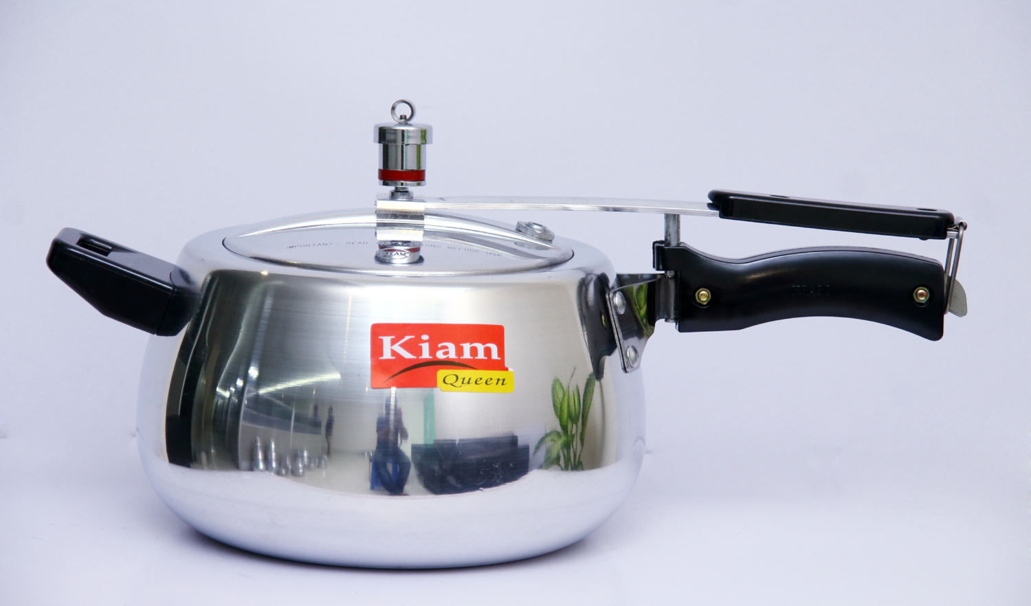 KIAM PRESSURE COOKER 5.5 LITRE CURVED BODY